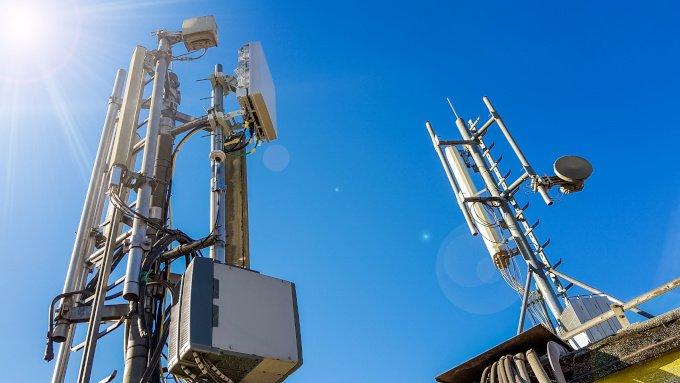 Der Ausbau des 5G-Netzes ist in Deutschland noch nicht abgeschlossen. Hierzu sind besondere Sendemasten nötig.