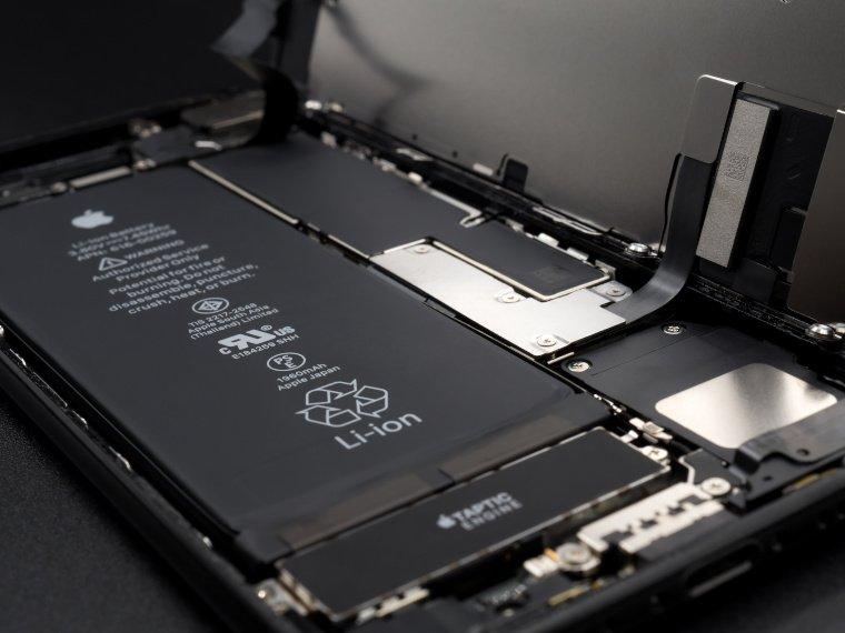 Mit jeder neuen Generation schafft es Apple ein besseres und leistungsfähigeres iPhone auf den Markt zu bringen. Welche Features dürfen wir beim iPhone 13 erwarten und was wird das Smartphone in Deutschland kosten?